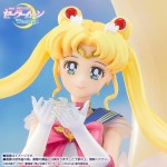 Figuarts Zero Chouette Sailor Moon Eternal Super Sailor Moon Bright Moon and Legendary Silver Crystal Bandai Limited