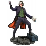 Dark Knight DC Gallery Joker Diamond Select